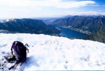 panorama dalla vetta del Palanzone verso il lago