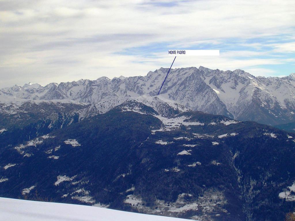 Il Monte Padrio visto dal Monte Brione