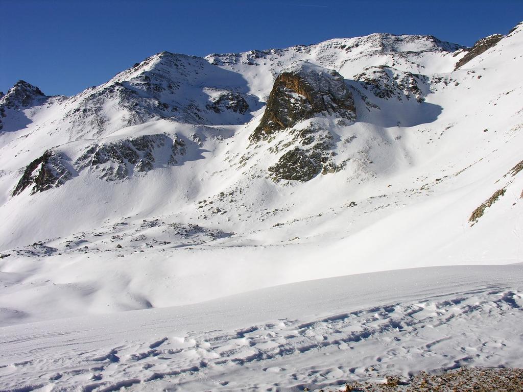 il Pic du Lac Blanc m. 2980 osservato dal Col du Vallon m. 2645 (31-12-2006)