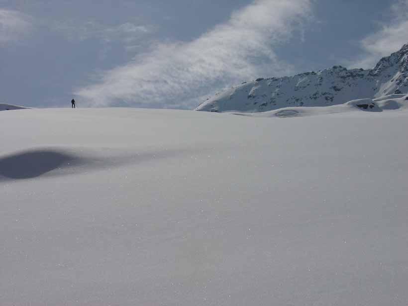 Dosso che precede il piccolo Lago Bianco