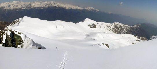 Il vallone di discesa dalla cima