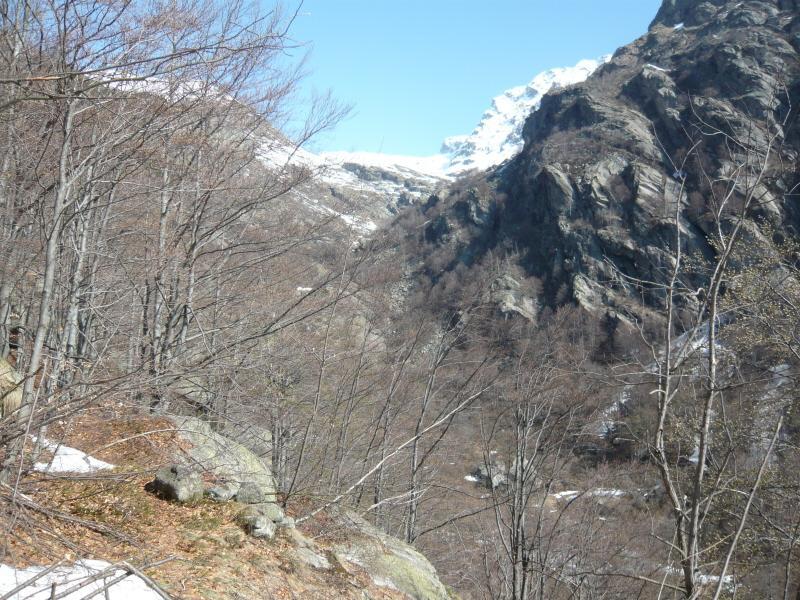 valla dell'eugio in basso l'alpe uggietti