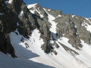 l'imponente versante Nord del Tenibres e il canale di salita (1-6-2003)