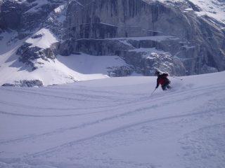 Una fase della discesa (1700 m con neve alle ginocchia!!!)