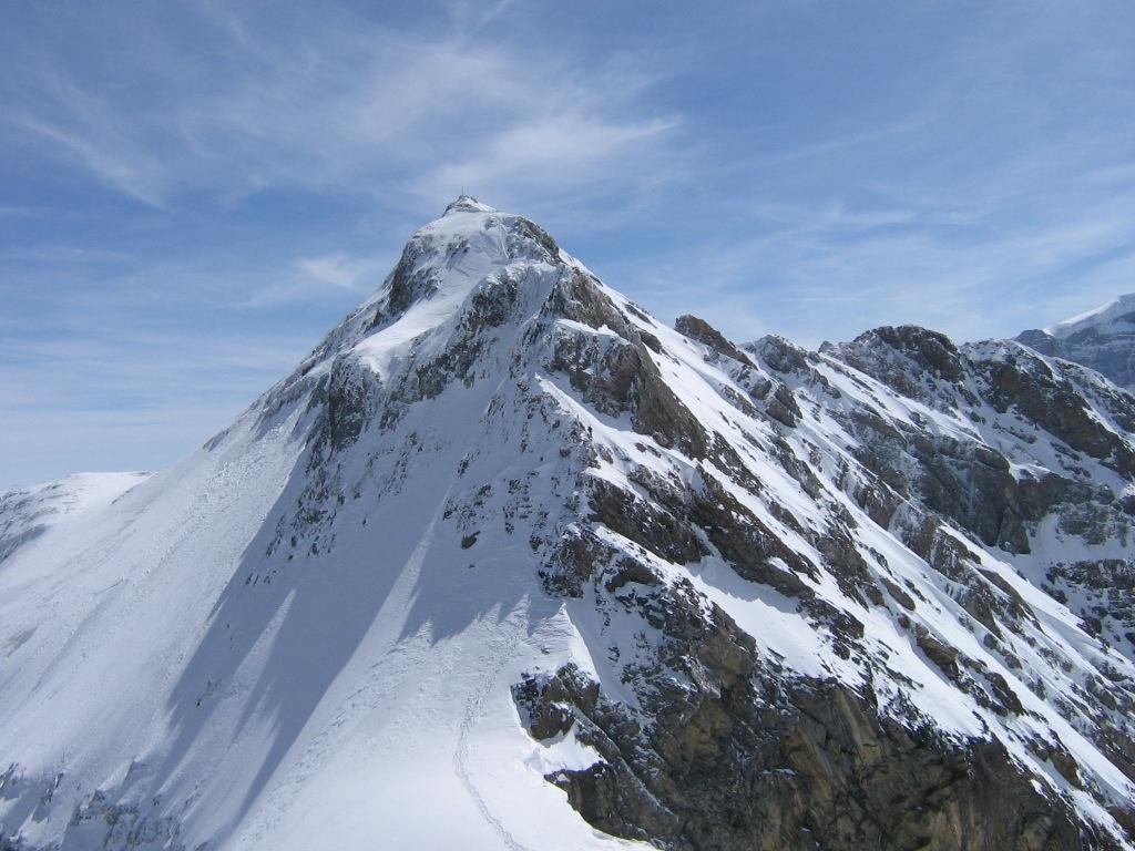 Il versante Nord del Clariden con la cresta percorsa