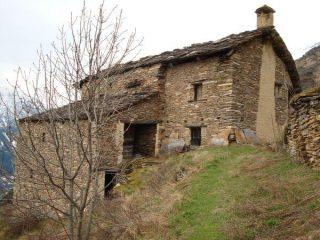 Grange sulla strada per Capanna Ussolo