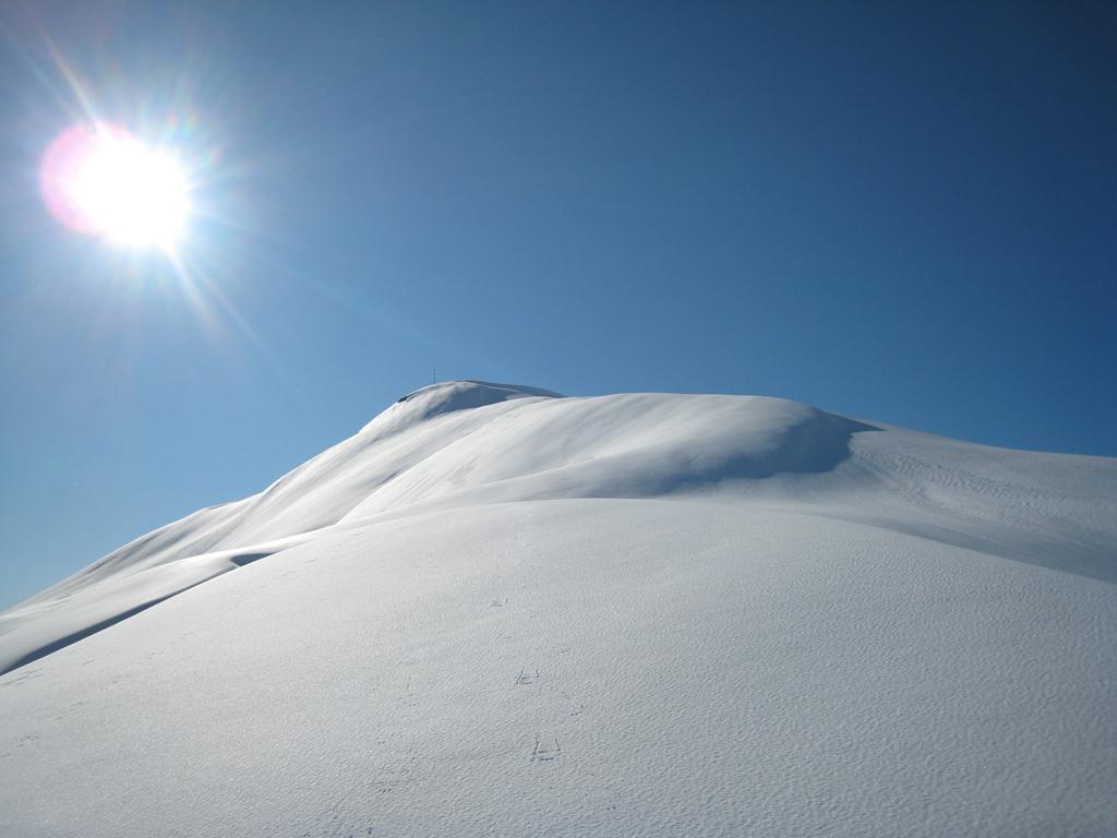 Neve marmorea sotto la cima