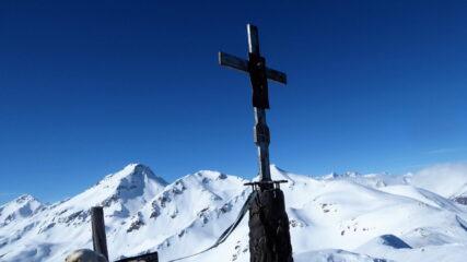 La croce di vetta   I   La croix du sommet   I   The summit cross   I   Das Gipfelkreuz   I   La cruz de la cumbre