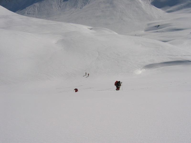 La risalita del versante Nord-Est della Entre deux Sauts