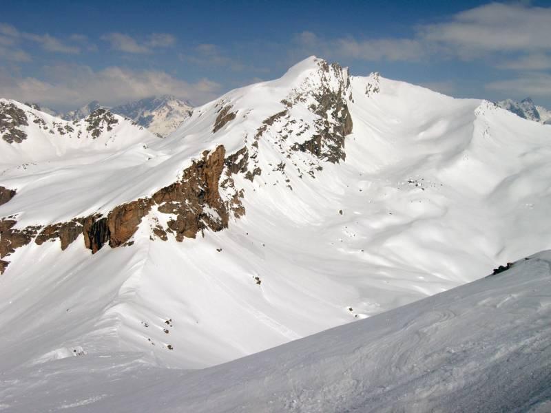 Dalla cima del Bellino, il Monte Maniglia