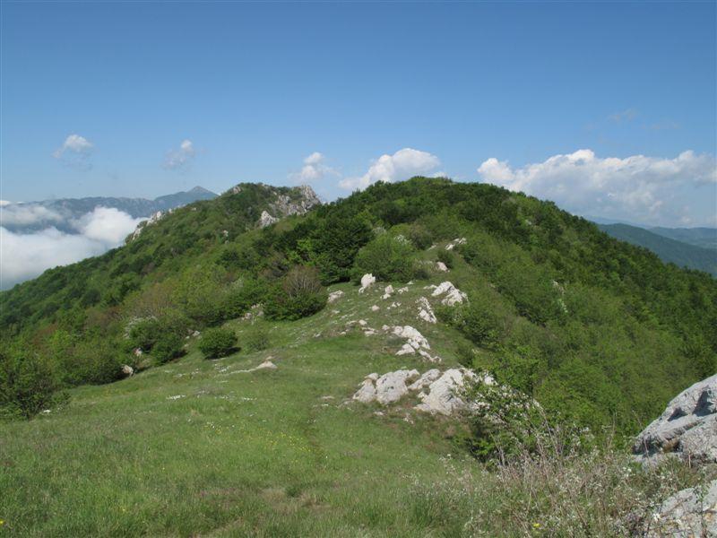 Il pezzo di crinale scendendo dalla Rocca