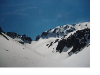 Al centro al fondo e' il Passo di Montagnaya