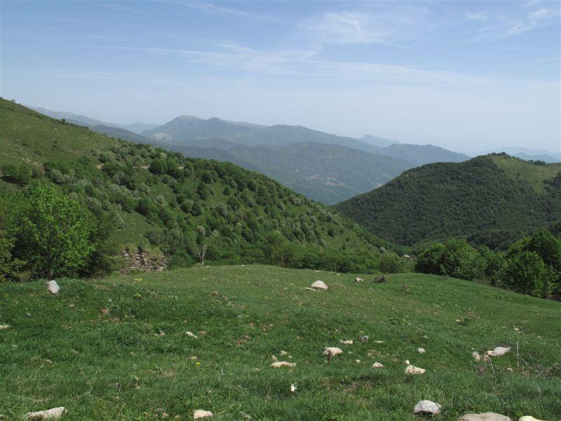 Poilarocca e la valle dalla strada del Garezzo