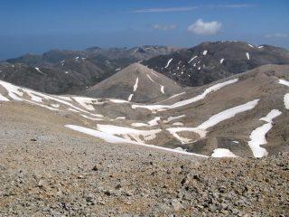 Al centro della foto il Monte Modaki