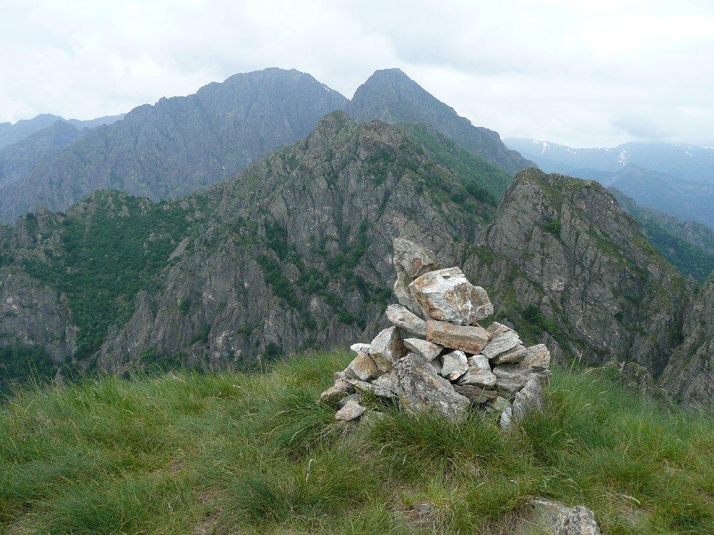 I vicini corni di Nibbio, Lesino e Proman.