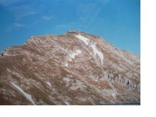 E' iniziato il cammino alla rovescia con il Brioschi lassu' sulla vetta del Grignone ormai lontano...