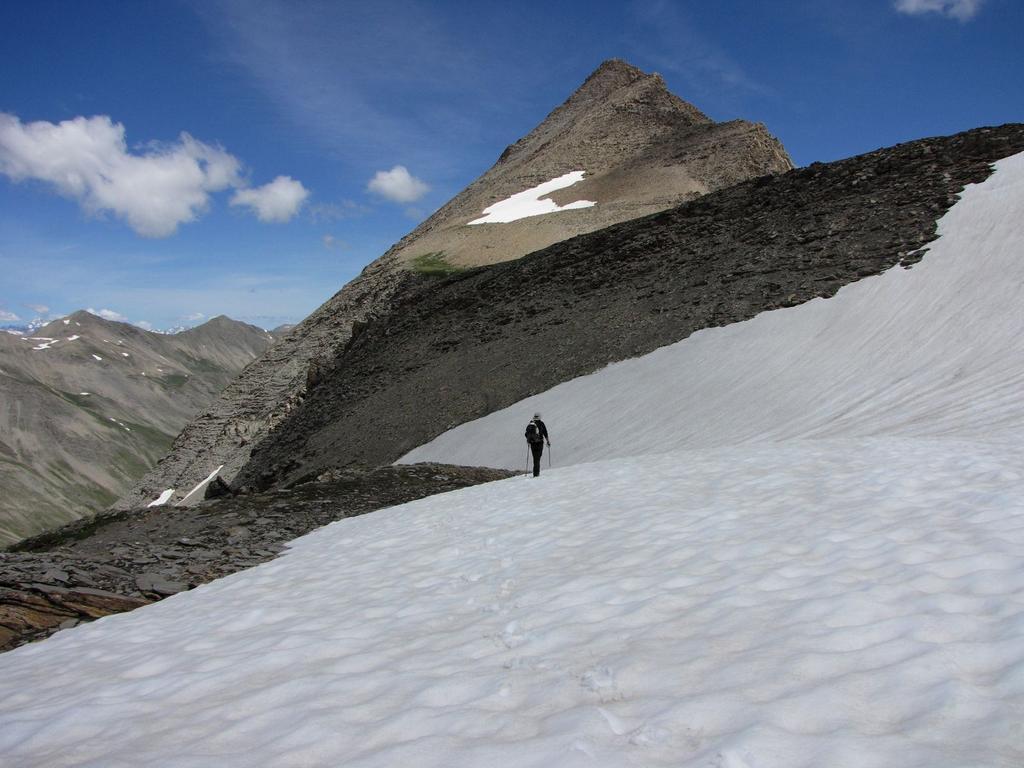 Davide sale sul nevaio verso il Pas de Reverdillon (24-6-2009)
