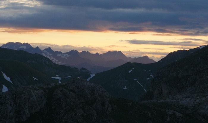 incantevole tramonto sulle Alpi Liguri