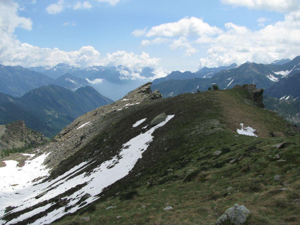 La cresta con le cime Centrale ed Orientale