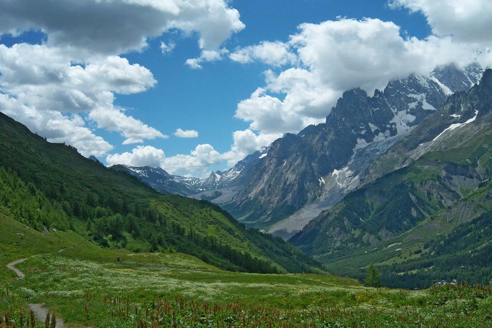 Panorama dal sentiero che riporta a La Vachey