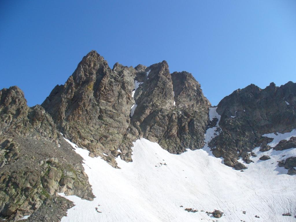 La cima di Nasta e il canalino che porta al Colle della Forchetta