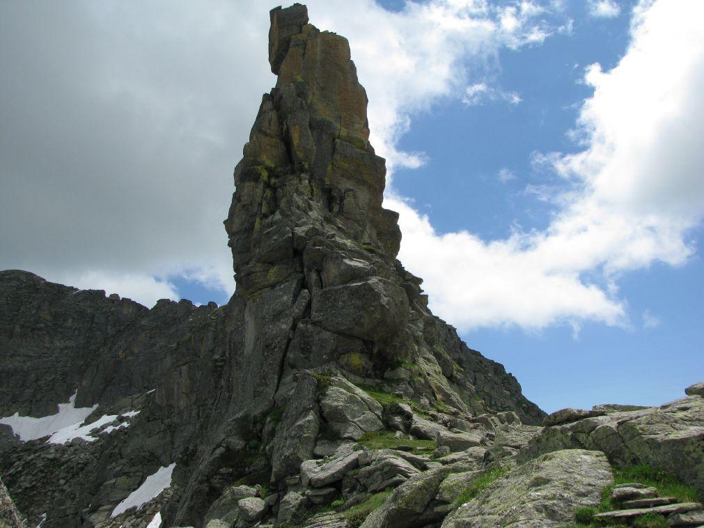 Torrione roccioso nei pressi del Colle di Nora