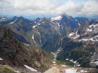 Il Pizzo Montalto visto dalla Ferrata del Lago al Pizzo Loranco,il puntino rosso in basso a sx e' il biv.Varese