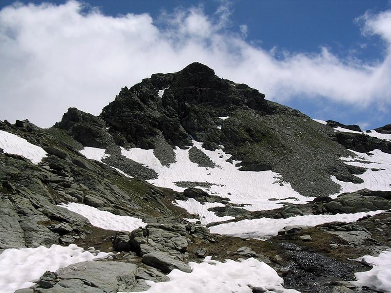 Punta Valnera e a destra il colletto