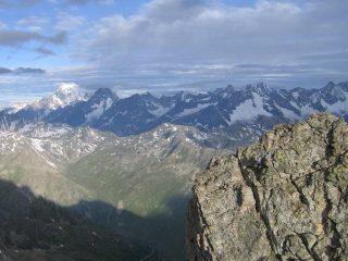 Primo dente di Proz con il Monte Bianco sullo sfondo
