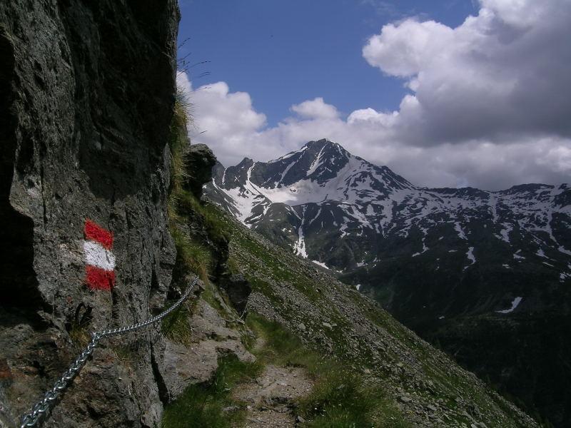 Lo Stella salendo al Rif.Chiavenna dall'Alpe Motta