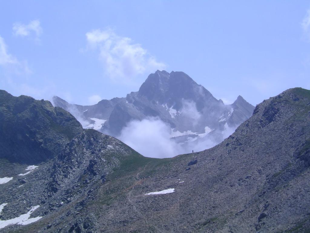 Colletto Chiausis con sullo sfondo la Rocca la  Marchisa
