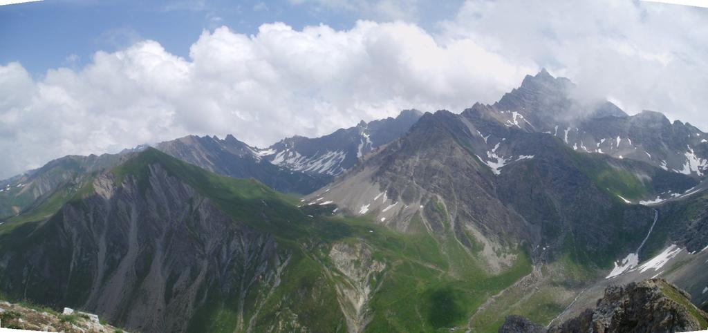 panorama su tete entre deux saut, col malatrà e grande rochere