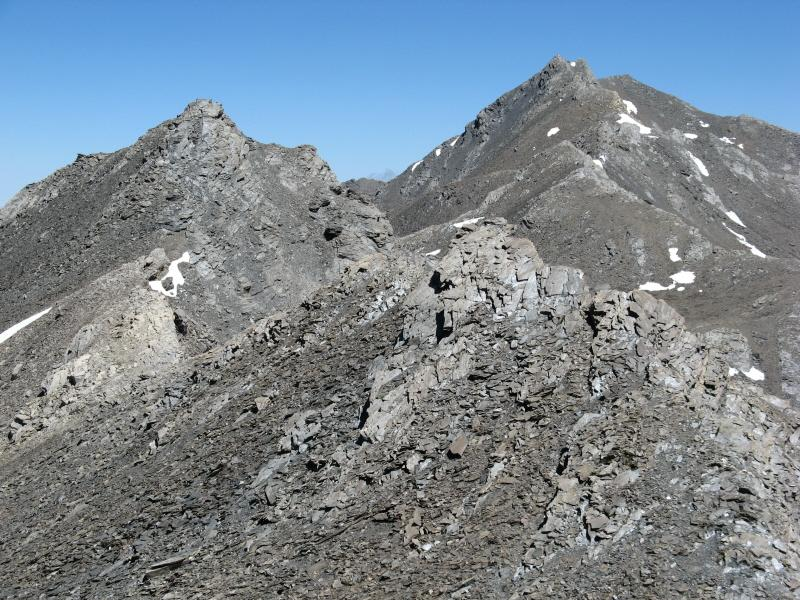 Sulla destra il Monte Aiguillette e il Pic Brusalana visti dalla Sella d'Asti
