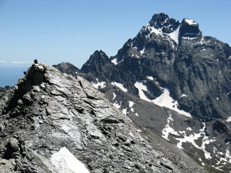 La cima Est sullo sfondo il Mon Viso