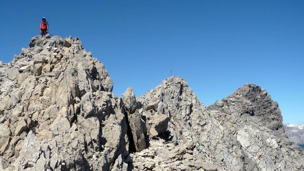 La cresta finale e le croci sulle cime