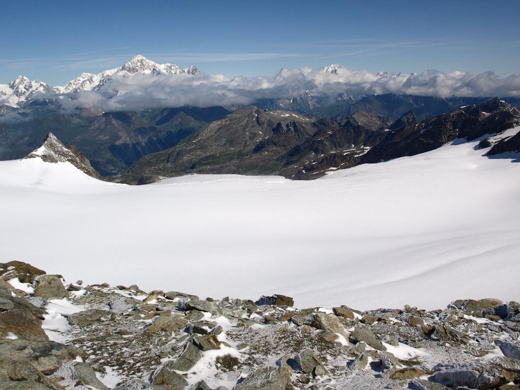 Ghiacciaio del Rutor e Monte Bianco dalla cima