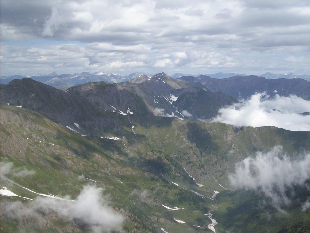 Dalla Vetta verso il Monte Albergian