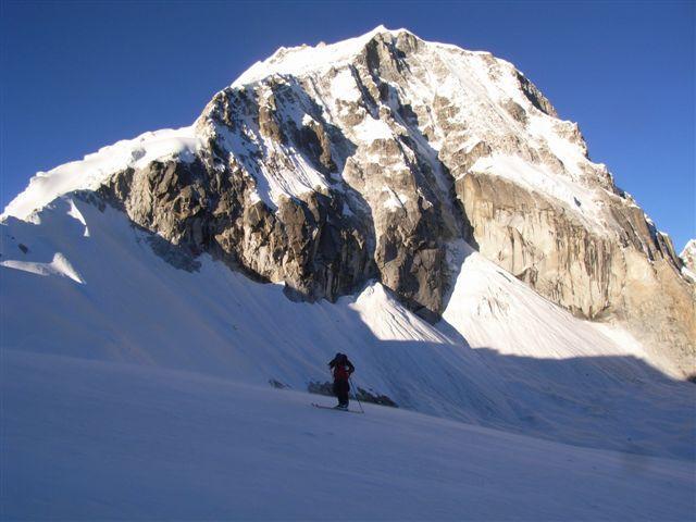 Ishinca – Cordillera Blanca – Perù per pendio SO e discesa parete NO 2009-07-23