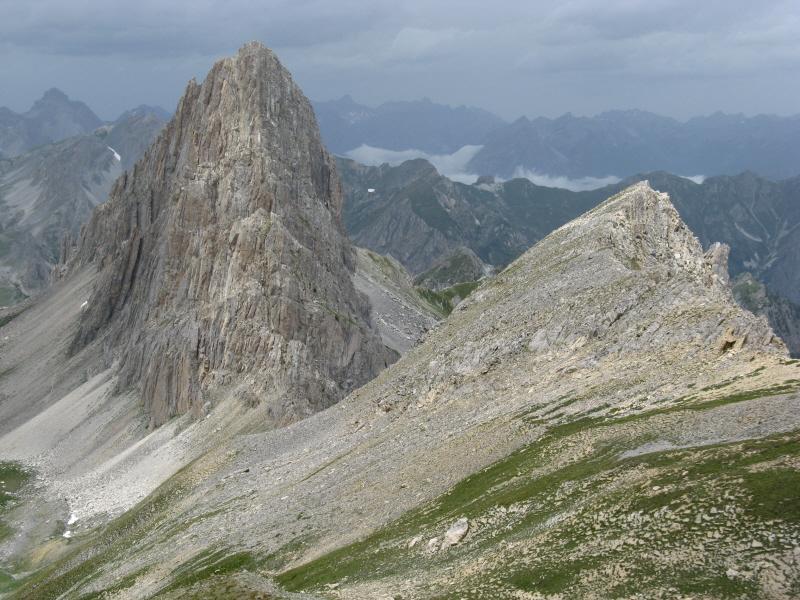 Sullo sfondo la Meja a destra l'anticima del Becco Grande