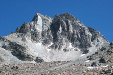 Rocca la Marchisa e Colle di Vers a destra