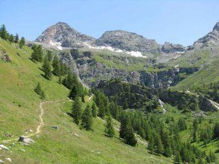 la conca di Cheneil-sul fondo il Gran Tournalin
