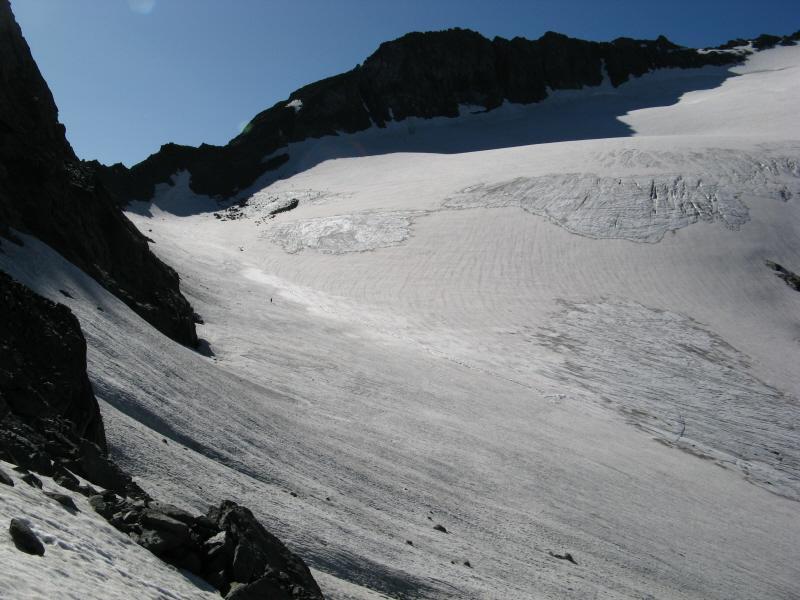 Il ghiacciaio d'Arnas sulla destra in alto punta Maria