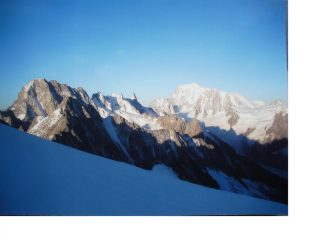 Le Gran Jorasses e il Bianco salendo all'Aig. du Triolet dal ghiacciaio di Talefre