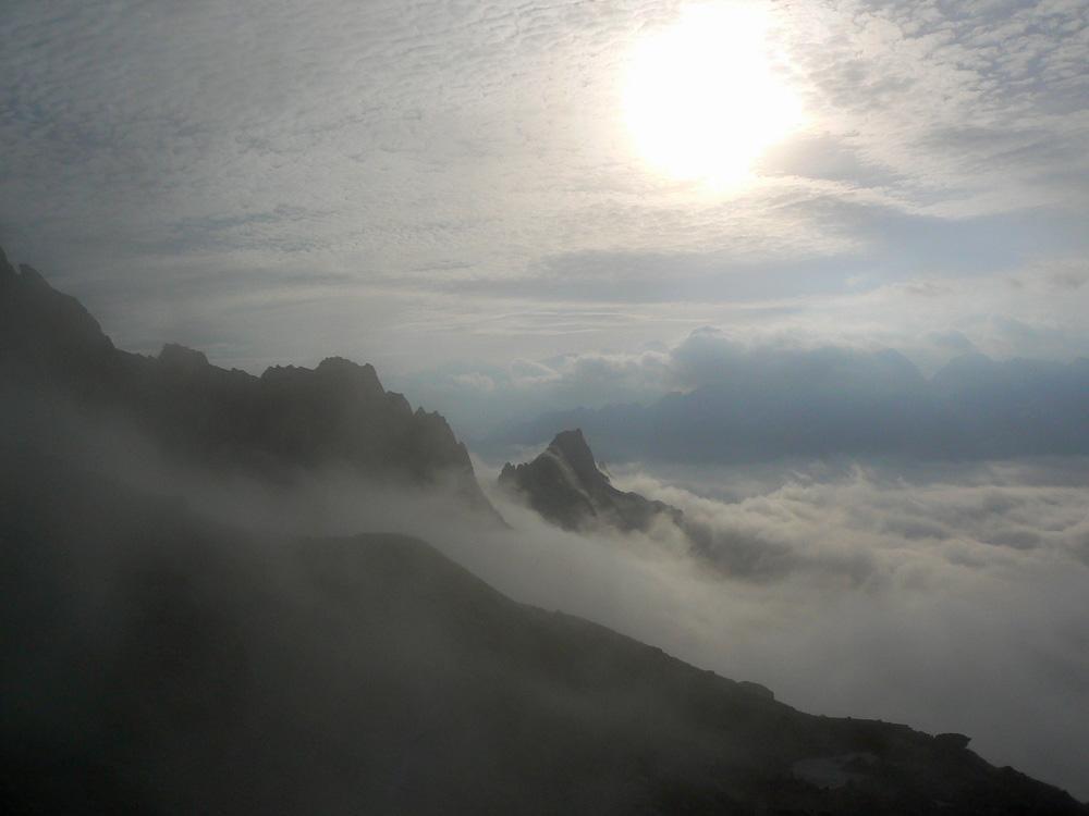 la nebbia si dissolve
