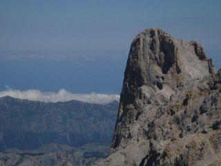 Dalla vetta della Torre Blanca il solito Naranco de Bulnes