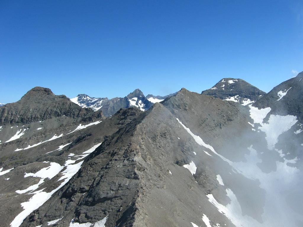 Bel panorama con in primo piano la Punta Autaret
