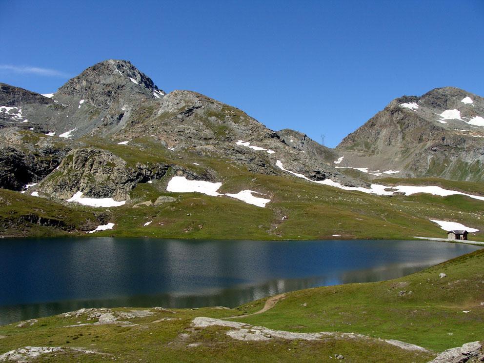 dal lago Miserin la becca costazza e a destra la fenetre de Champorcher