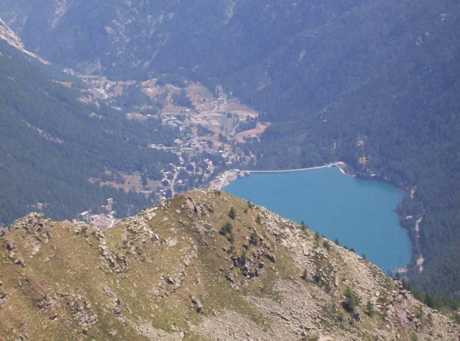 Lago di Ceresole dal colle