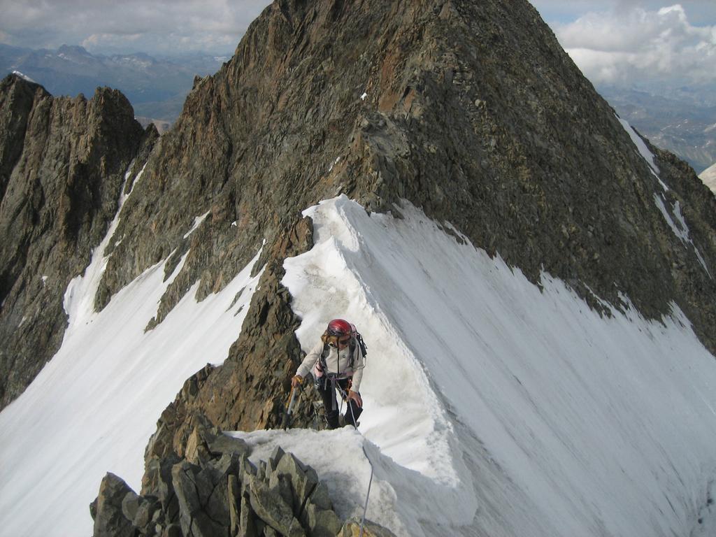 Salita alla punta Parochetti (vetta italiana del Bernina)