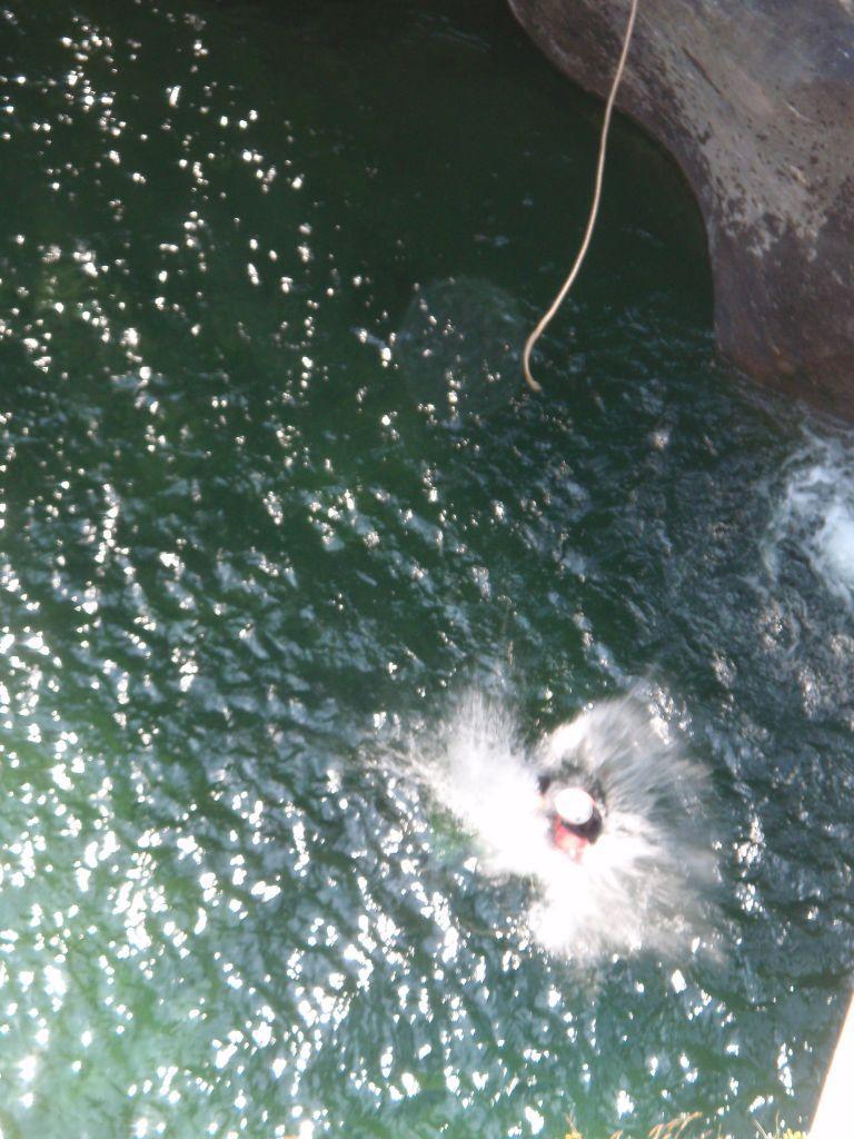 sotto il ponte con la corda a  8- 10 m